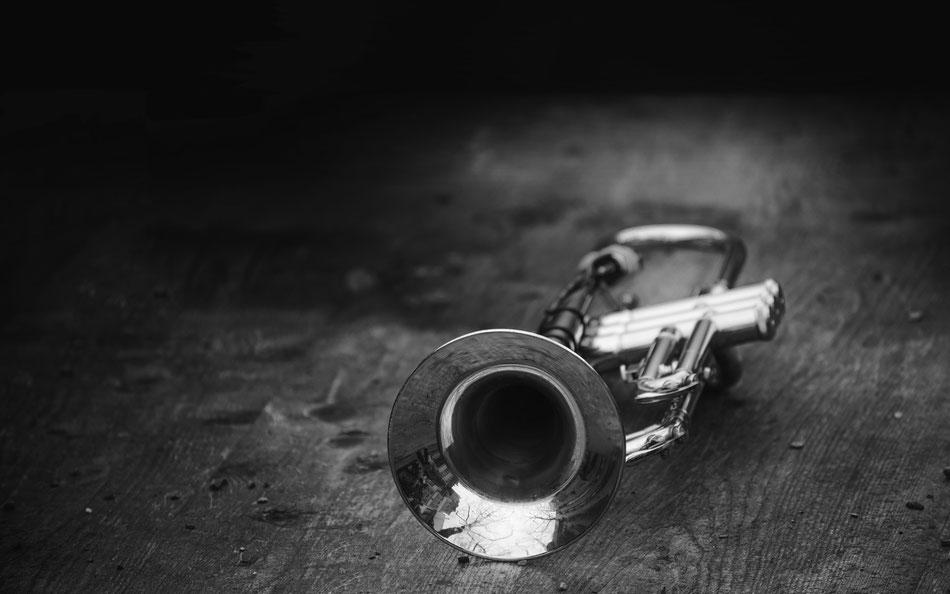 Trompete, Instrument, Schwarzweiss, Sam Bührer