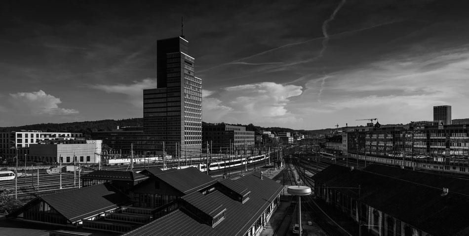 Winterthur, Roter Turm, Stadt, Bahnhof, Gleise, Sam Bührer, Fotograf