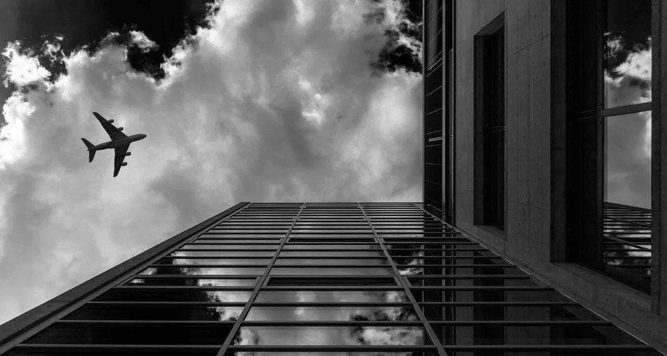 Der rote Turm Sam Bührer Fotograf NOBELPICTURES