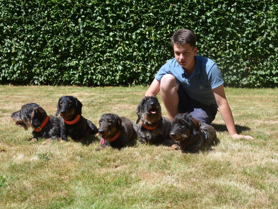 Bilbo, Amira, Venja, Bonnie und Vito mit Lukas