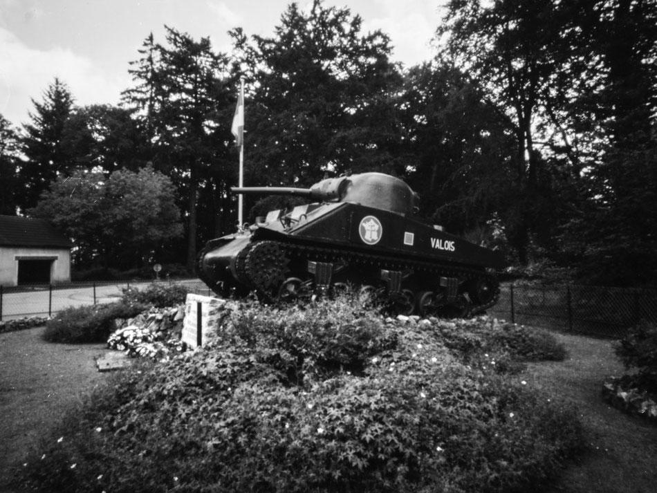 Char de la 2ème DB du Général Leclerc, détruit aux Gateys lors du débarquement.