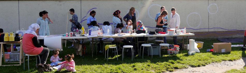 Mohr-Villa goes Camp - Ein Bild als Brücke - StreetArt Projekt an der Bayernkaserne im September 2014
