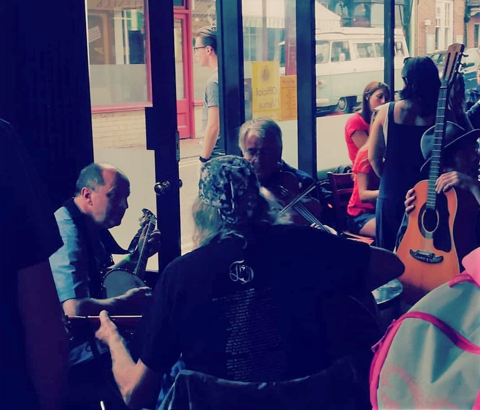 Music at The Thirty-Nine Steps, Broadstairs. Image: MSmith
