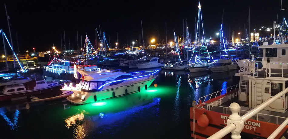 The illuminations spread across the whole harbour. Photo: JDS