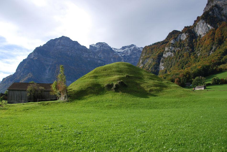 Burghügel im Kilchengut. Koordinaten 722516 213851