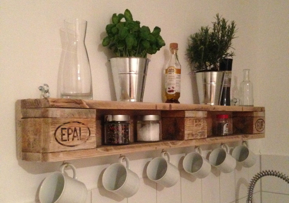 Regal Aus Europaletten : diy wandregal aus europaletten felicity diy blog ~ Whattoseeinmadrid.com Haus und Dekorationen