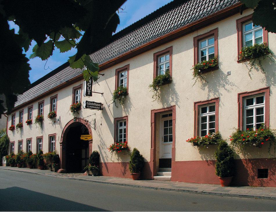 Weingut Jörg & Georg Mühlmichel, Einfahrt Weinstrasse Nord 39