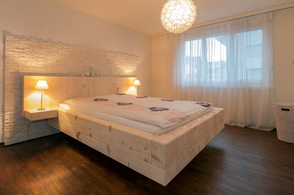 stamm das vollholzbett aus mondholz emmenegger. Black Bedroom Furniture Sets. Home Design Ideas