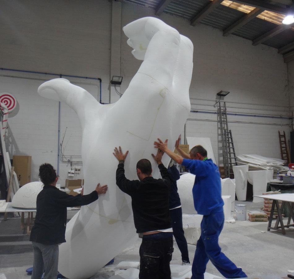 Mano Gigante, escultura