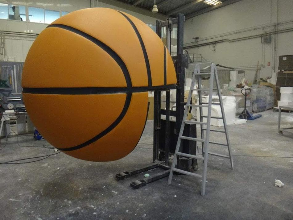 Balón de baket 2 metros de diámetro  (3/4 para encajar en una entreplanta)
