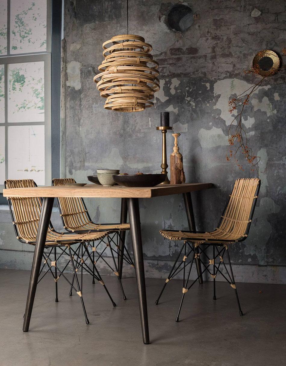 Danaé Balland décoration blog rotin suspension chaise Kubu 3 suisses