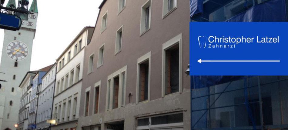 Straubing, Zahnarzt, Latzel, Eingang