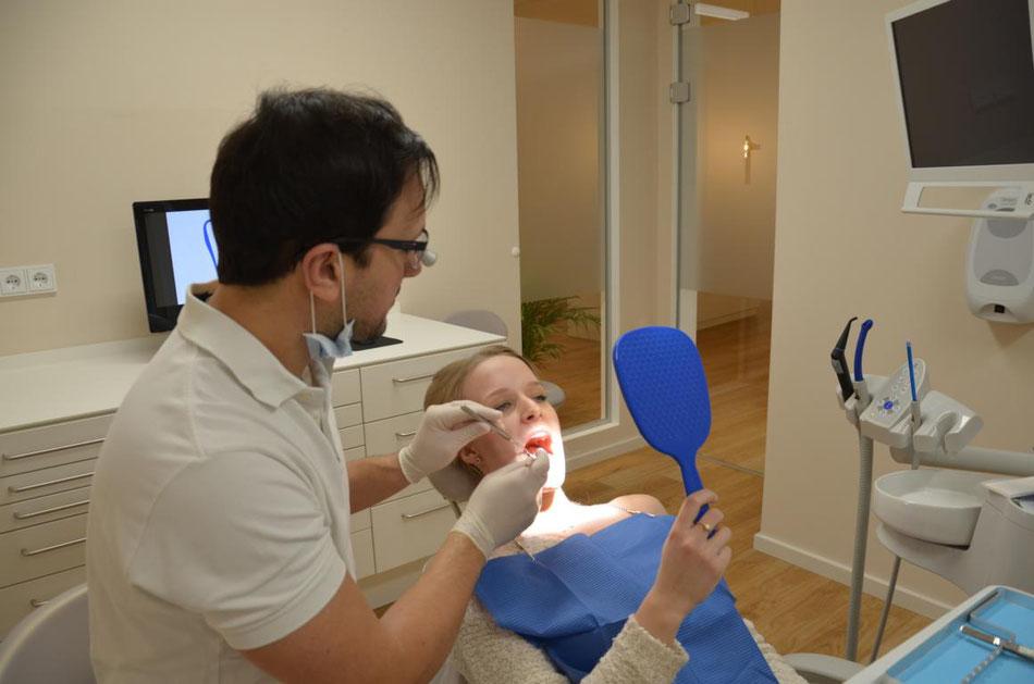 Zahnarzt, Straubing, Latzel, Leistungen, Vorsorge, Kontrolle