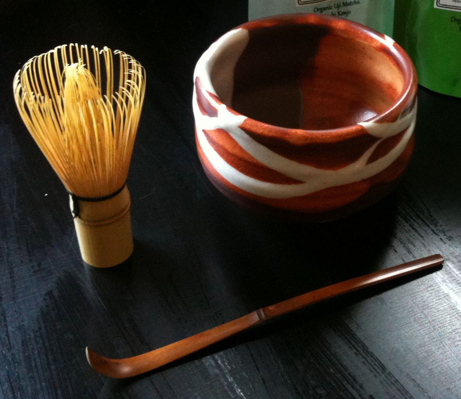 Set con tazza, chasen e chashaku