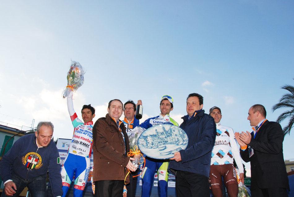 Foto courtesy: Foto Fasano archivio TLS, il podio del Trofeo Laigueglia 2012 con il vincitore Moreno Moser.