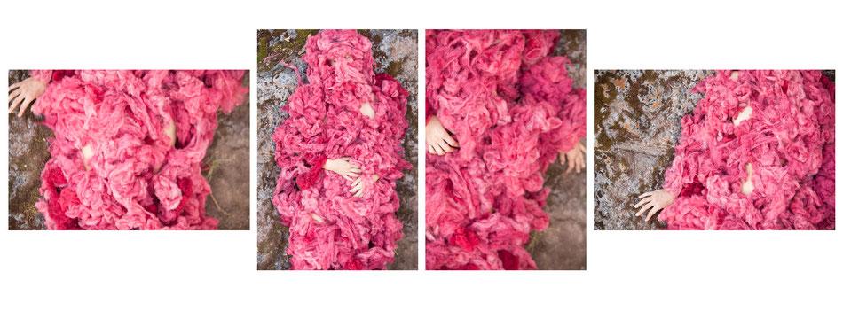 Instalación artística sonora. Piel de alpaca teñida con cochinilla. Impresión en papel de algodón. 180 x 90 cm - Photo by Carlos Garavito H