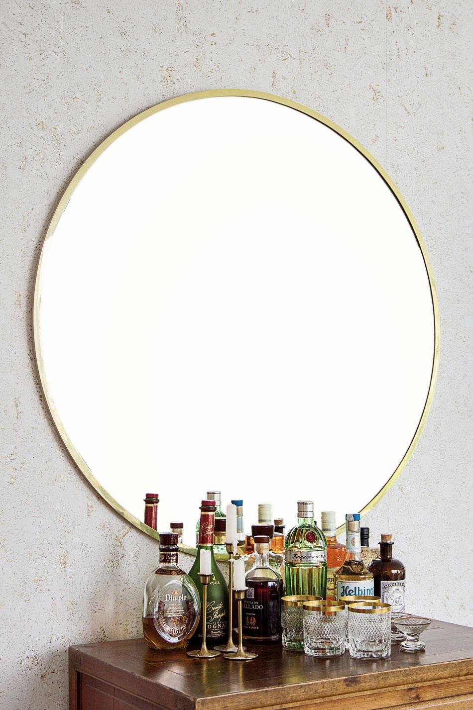 round brass mirror von time to GOHOME