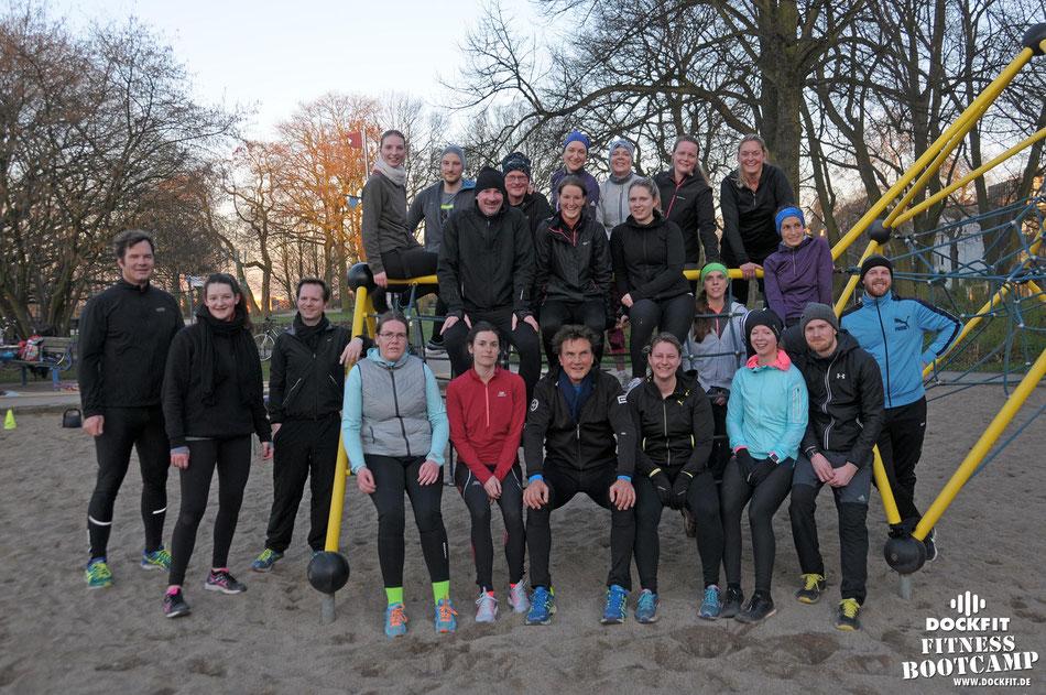 dockfit altona fitness Personal-Trainer bootcamp hamburg training fitnessexperten hamburg dockland battle ropes outdoor training Burpees overhead  2017 neue8wochen