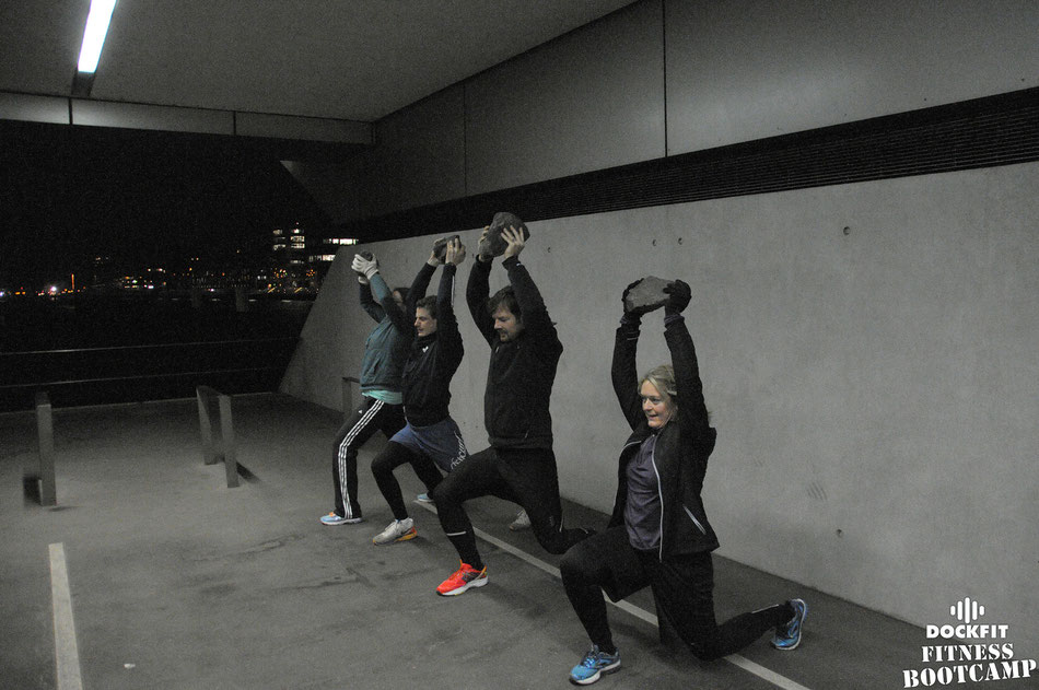 dockfit altona fitness bootcamp hamburg training mit steinen