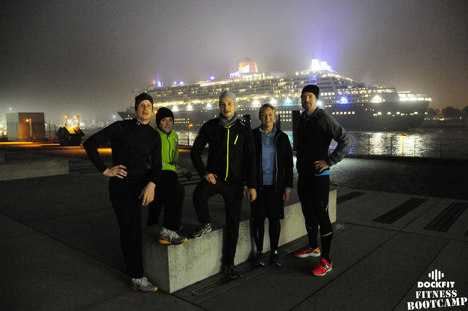 foto dockfit fitness bootcamp hamburg altona early Queen Mary 2