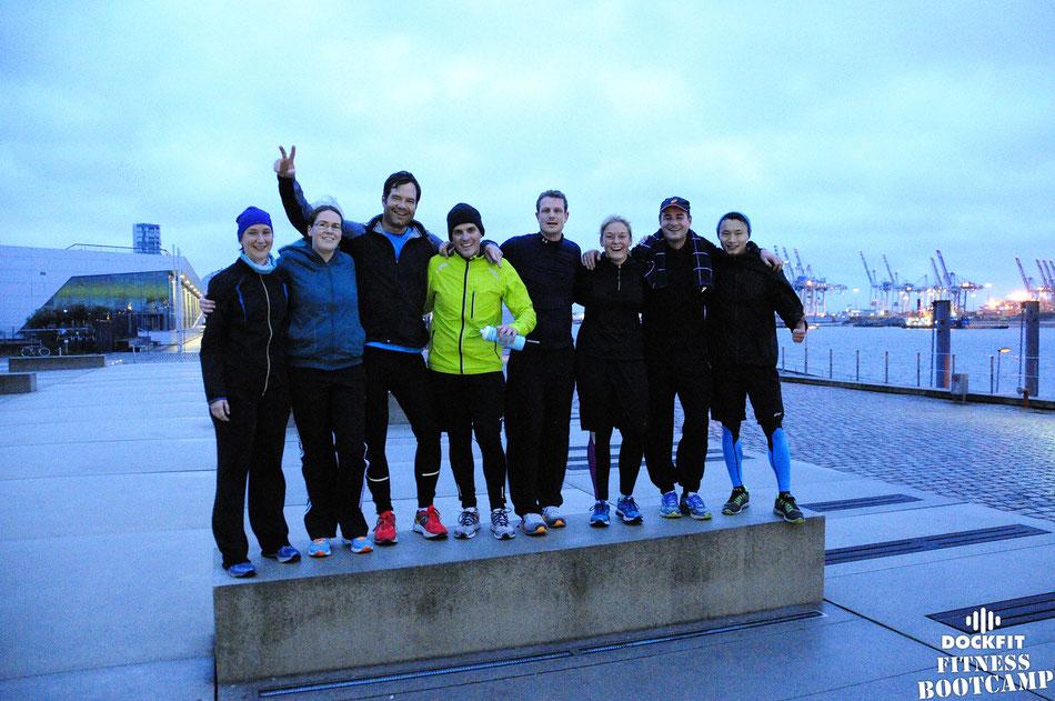 bild: dockfit fitness bootcamp altona hamburg, dockfitter early birds am dockland