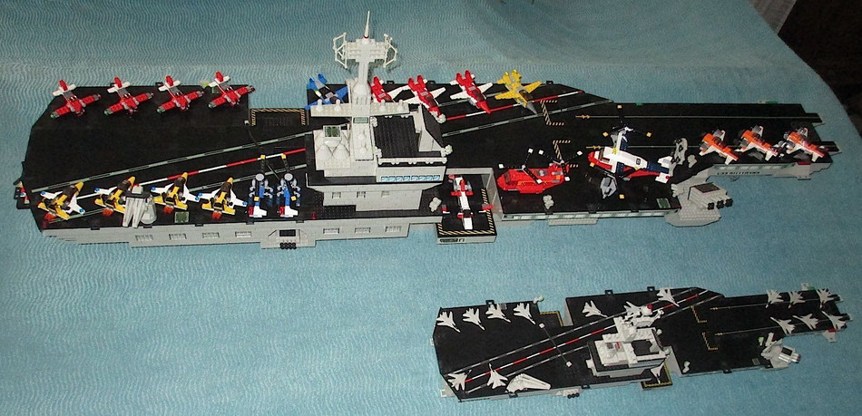 aircraft carrier USS Kitty Hawk megabloks probuilder geant double size lego compatible