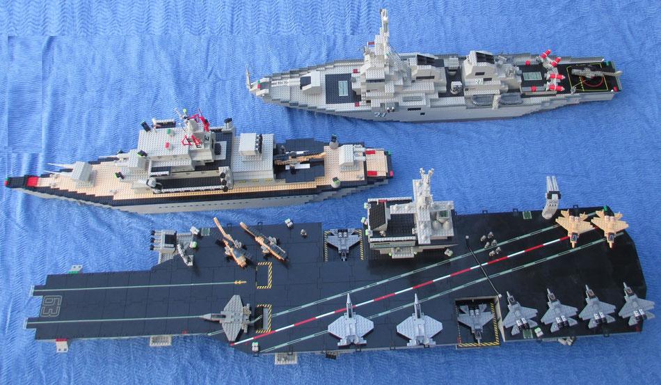 Double size Mega Bloks Probuilder :  Uss Kitty Hawk, Destroyer & Battleship