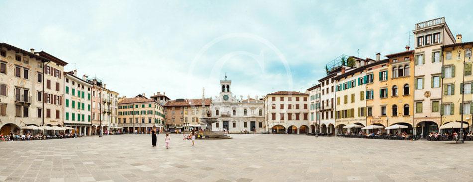 Piazza Mateotti ex piazza delle Erbe - Udine - Foto Alessio Buldrin