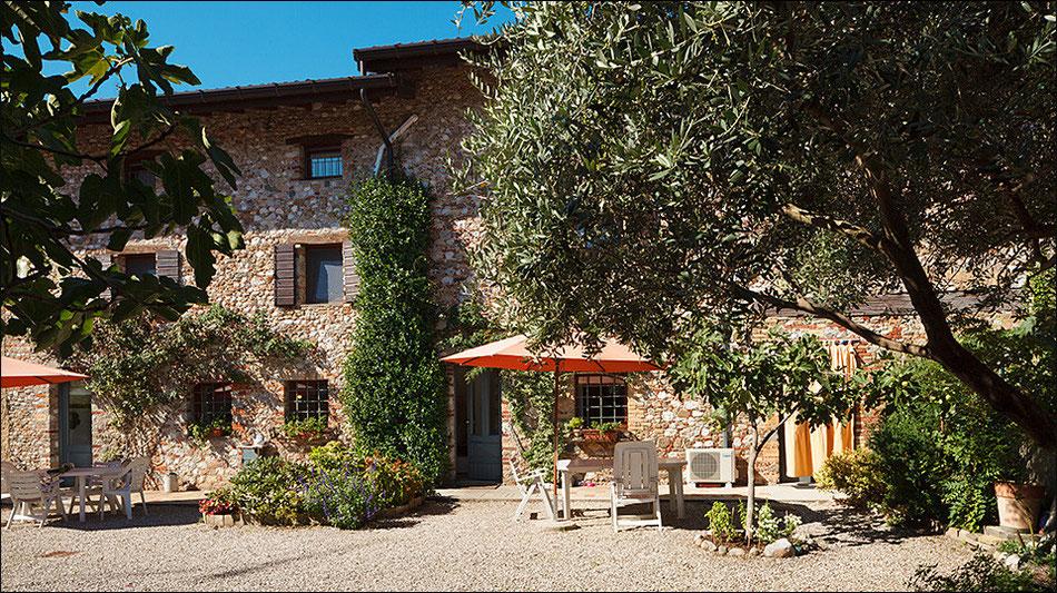 La facciata in sassi del Bed and Breakfast Casa Adele a Udine