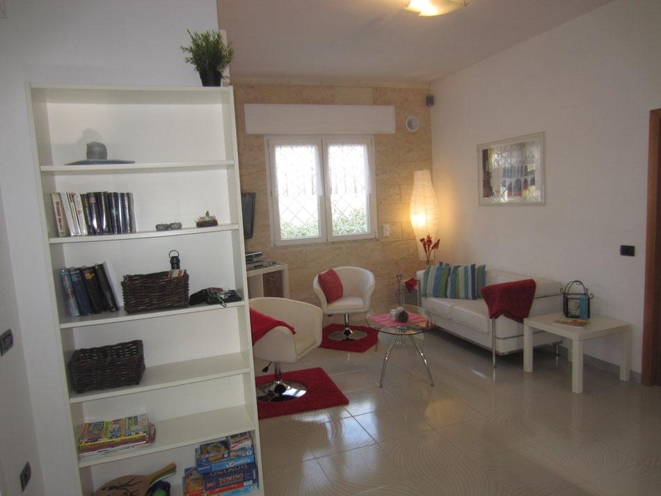 Wohnzimmer mit Eingangsbereich