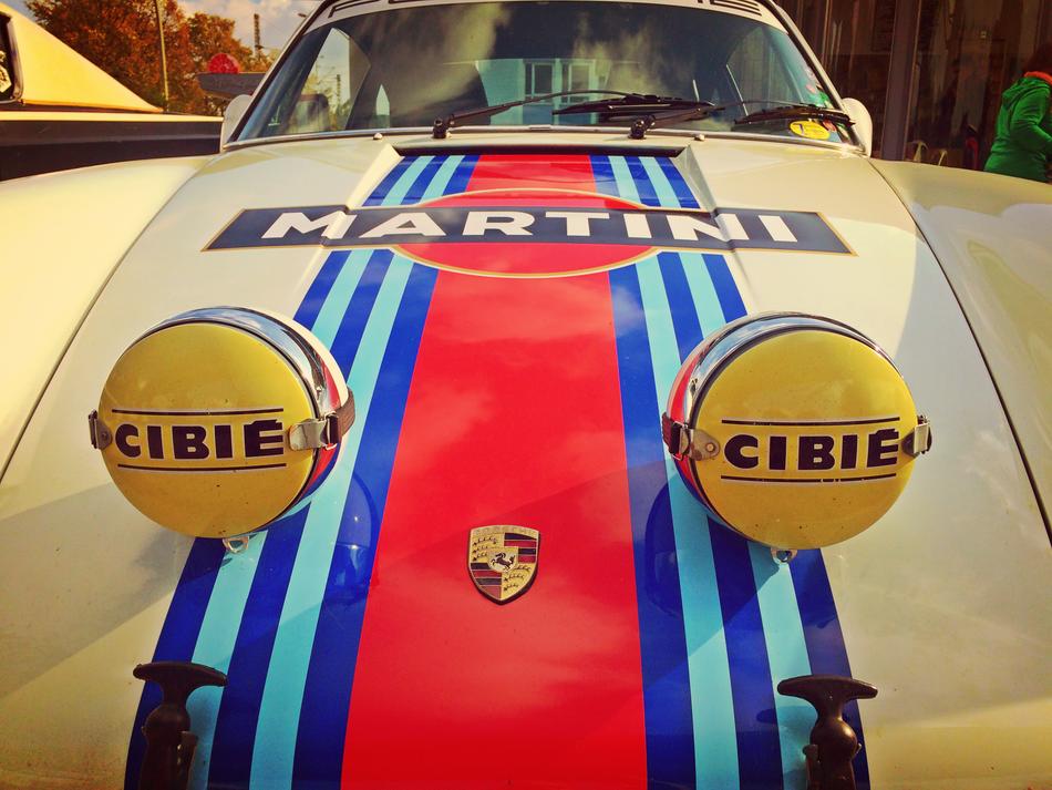 Martini Porsche an der Oldtimer Tankstelle im Brandshof