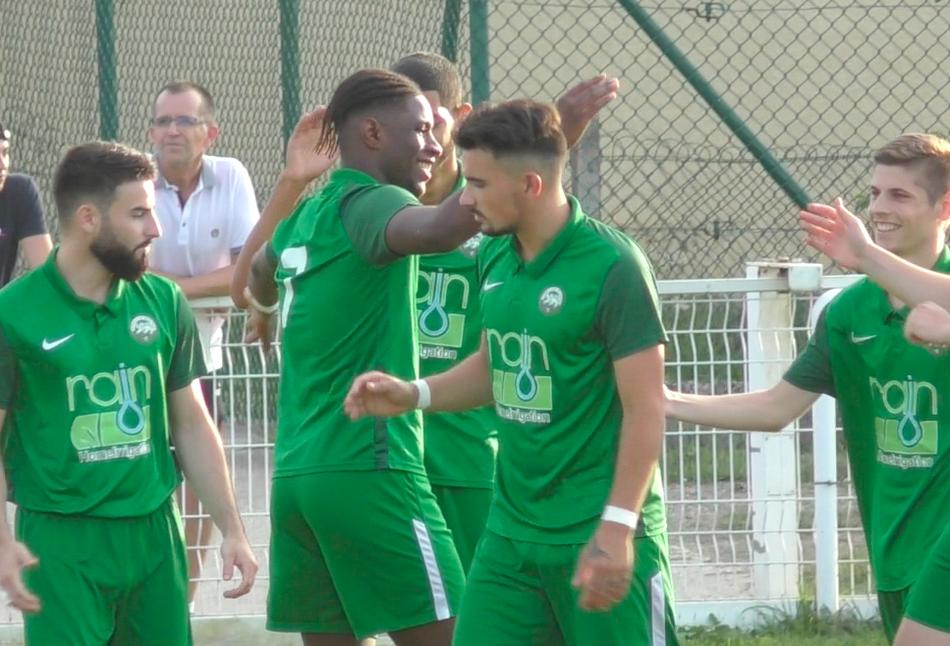 Le but de Sergio Embalo (au centre) n'a pas suffi face aux Landais./LB