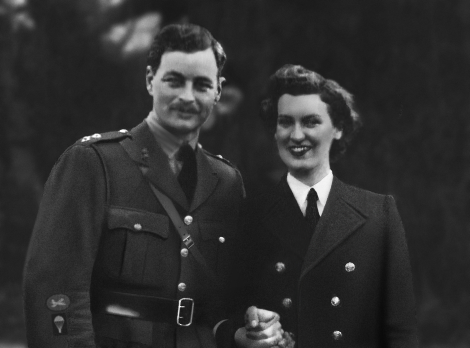 "Captain Roger and his wife Dorothy (M.Binyon) ""restored"" picture (P.Pariso)"