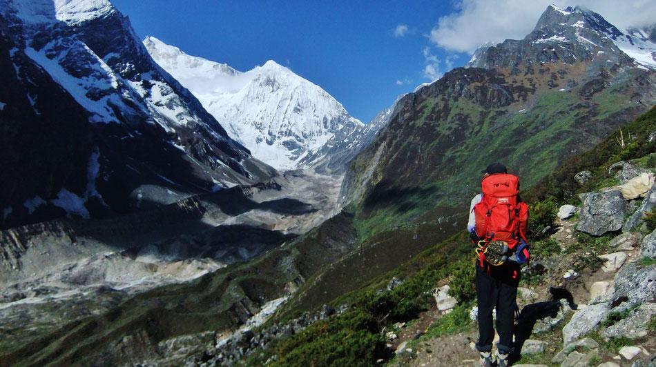 Auf dem Great Himalaya Trail  im Manaslu Gebiet