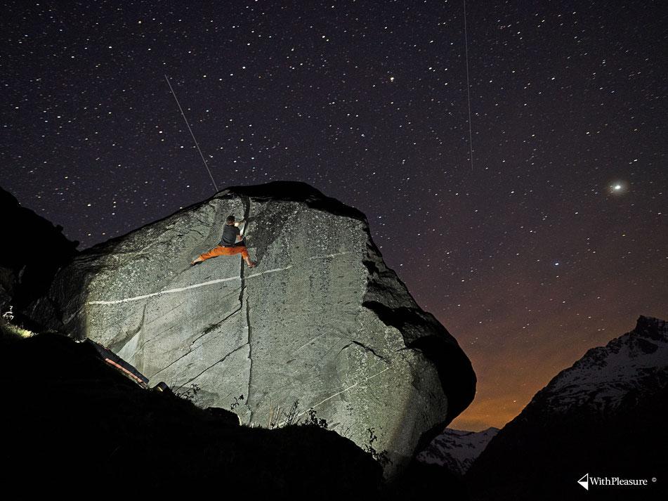 Lukas gelingt ein fantastisches Bild und mir eine tolle Erstbegehung in der Val Cristallina am Lukmanierpass.