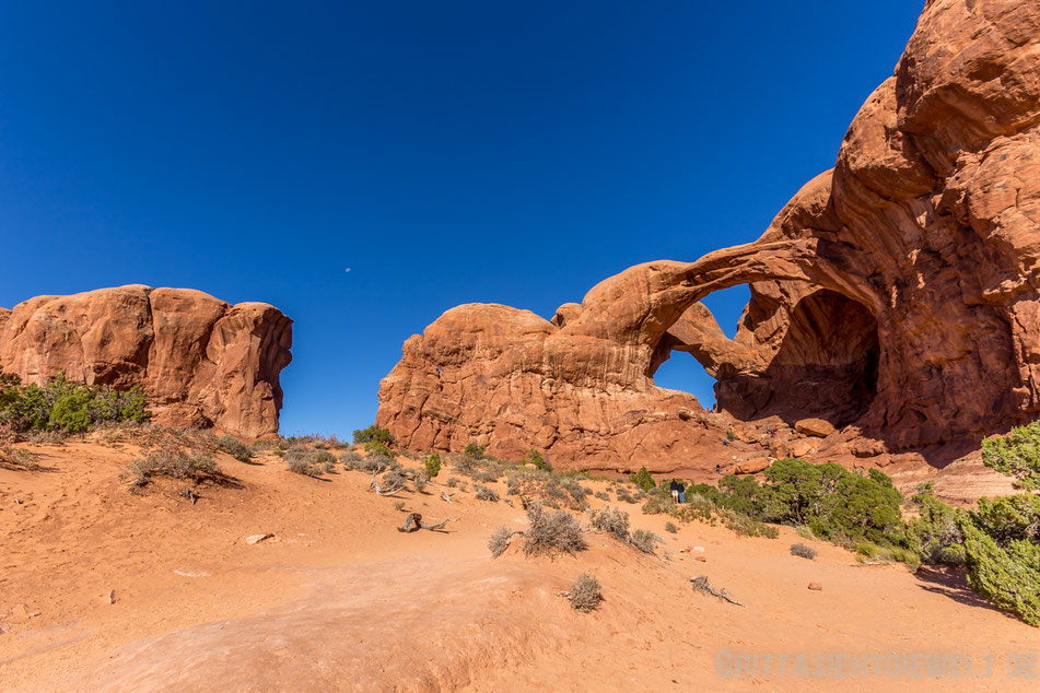 doublearch,double,arch,archesnationalpark,utah,usa,sightseeing,trekking,tipps,selbstfahrer,moab,panorama