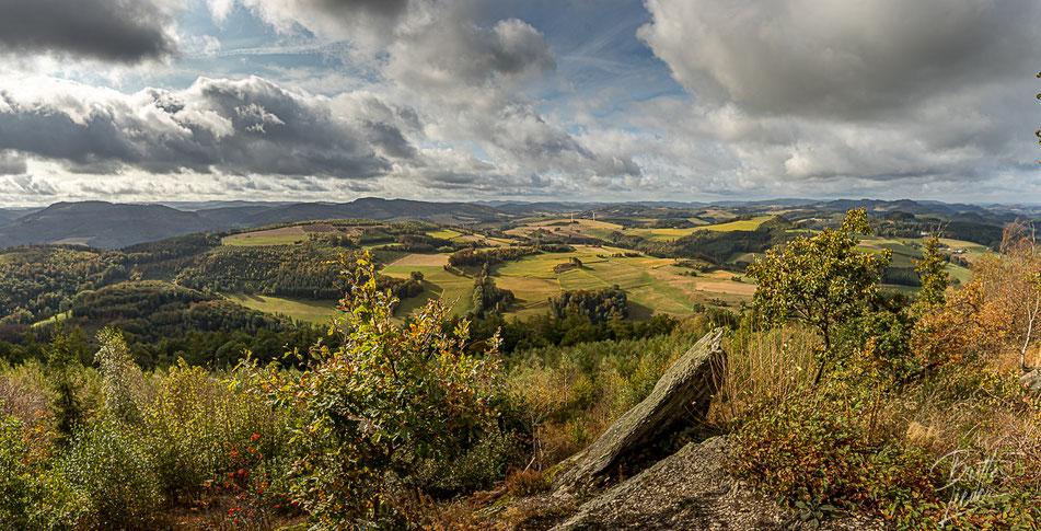 sauerland, vogelsang, gipfel, felsenblick, ausblick, viewpoint, wandern, wanderung, hiking, meschede, schederberge, karte, tipps, infos
