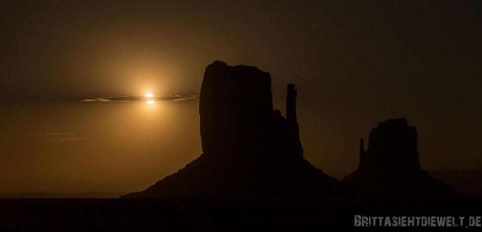 monument,valley,nachtaufnahme,mond,the,view,campground,jucy,campervan,tipps,arizona,südwesten,selbstgeplant,selbstfahrer