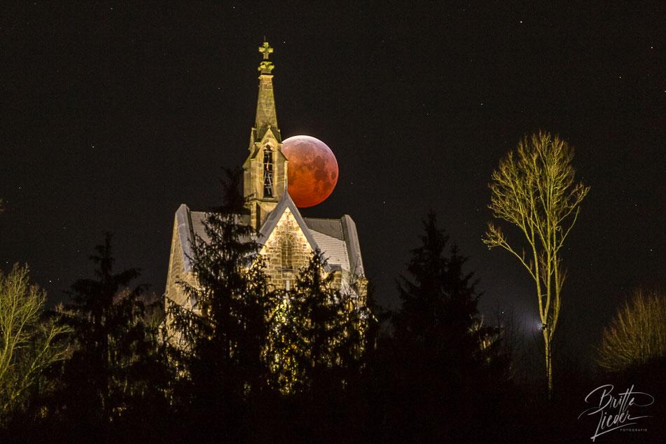kreuzbergkapelle, kapelle, blutmond, arnsberg, sehenswürdigkeiten, aussicht, aussichtspunkt, infos, tipps, fotostandort