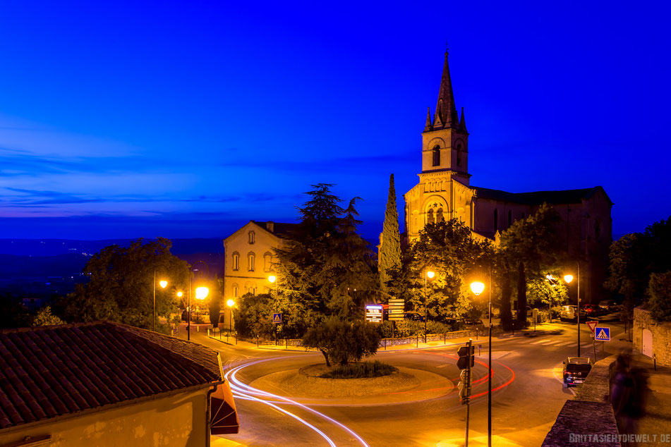 bonnieux, blaue stunde, lavendel, sommer, luberon, reisetipps, infos, selbstgeplant, frankreich, provence