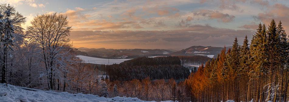 Sauerland, wandern, wanderung, homert, meinkenbracht, winter, schnee, sonnenuntergang, licht, emotionen, panorama