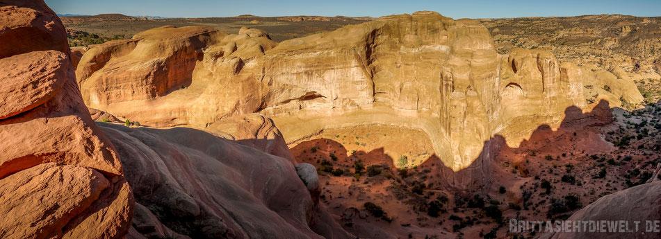 delicate,arch,parorama,trailhead,archesnationalpark,utah,usa,sightseeing,trekking,tipps,selbstfahrer,moab