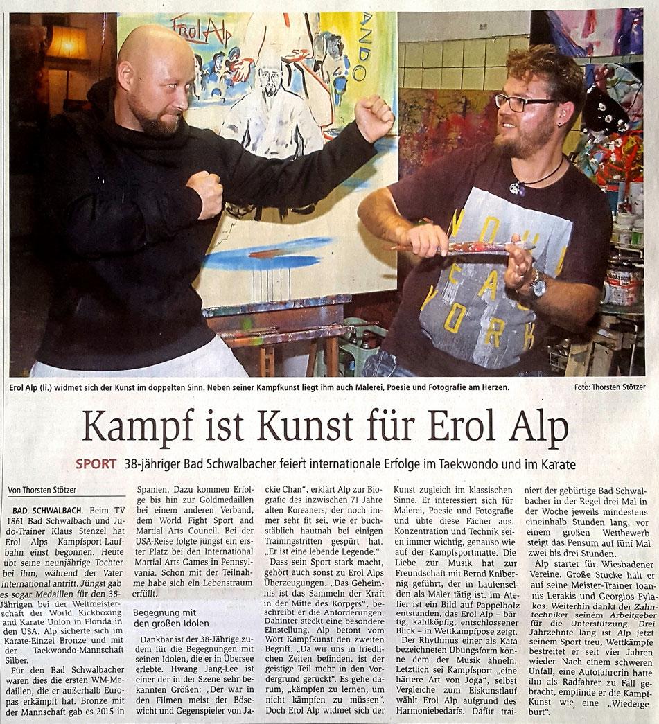 Journalist interviewt Erol Alp, Bericht über Erol Alp in den Zeitungsausgaben Wiesbadener Kurier (Zeitung für die Landeshauptstadt), Aar-Bote, Wiesbadener Tagblatt und Wiesbadener Kurier (Untertaunus-Kurier)