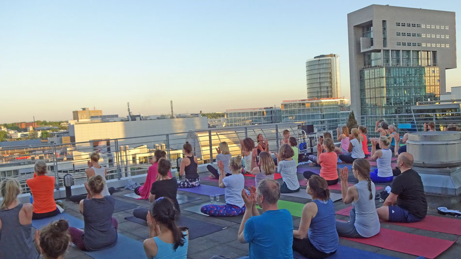 Outdoor yoga düsseldorf