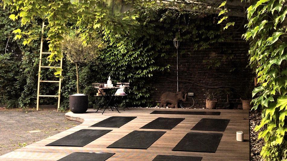 outdoor yoga greentrees
