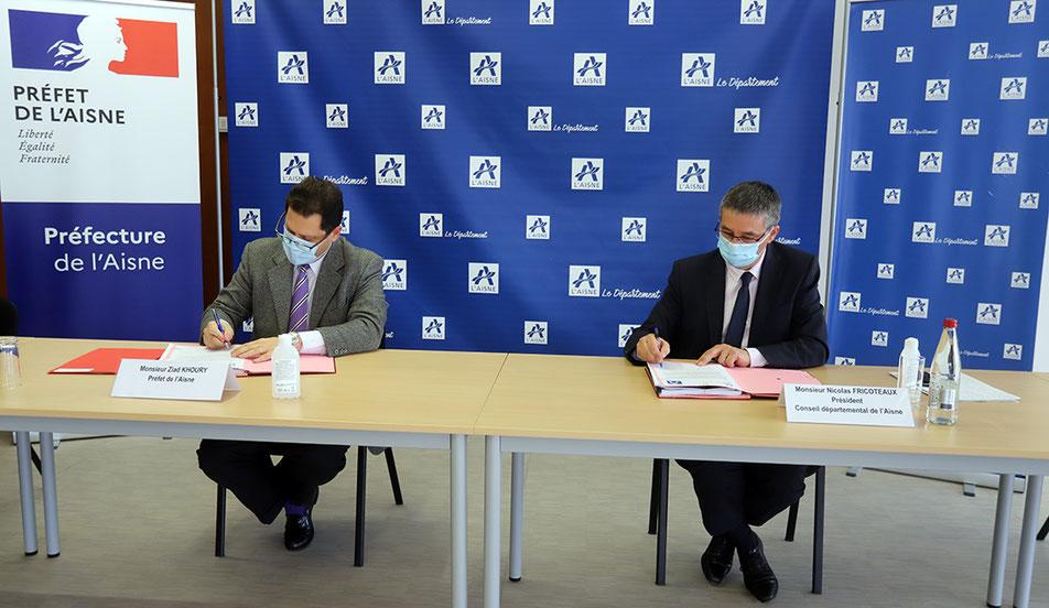 De gauche à droite : Ziad Khoury, préfet de l'Aisne et Nicolas Fricoteaux, président du Conseil départemental de l'Aisne.