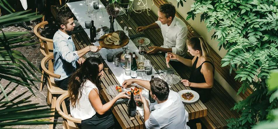 Vitis Vinothek Enoteca Brixen Bressanone Finsterwirt Ristorante Oste scuro Familie Mayr Gourmet Südtirol