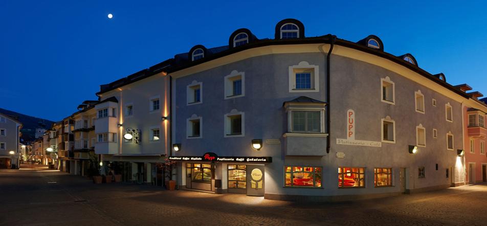 Pupp Café Bressanone Pasticc Gourmet SüdtirolHotels für Südtirol Urlaub in Südtirol Vacanze in Alto Adige Gourmet Suedtirol Wellnesshotels Südtirol Hotels für Südtirol Alto Adige Gourmetrestaurant Url