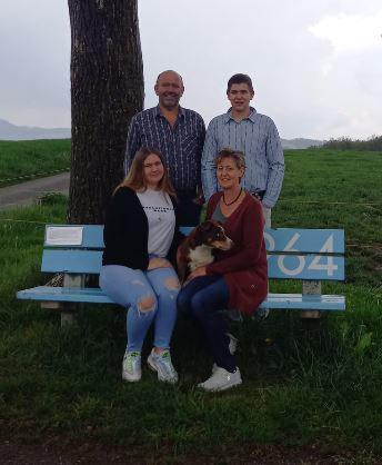 Betriebsleiterfamilie Mariann, Stefan, Jonas und Seraina Herzog Hof Ebnet