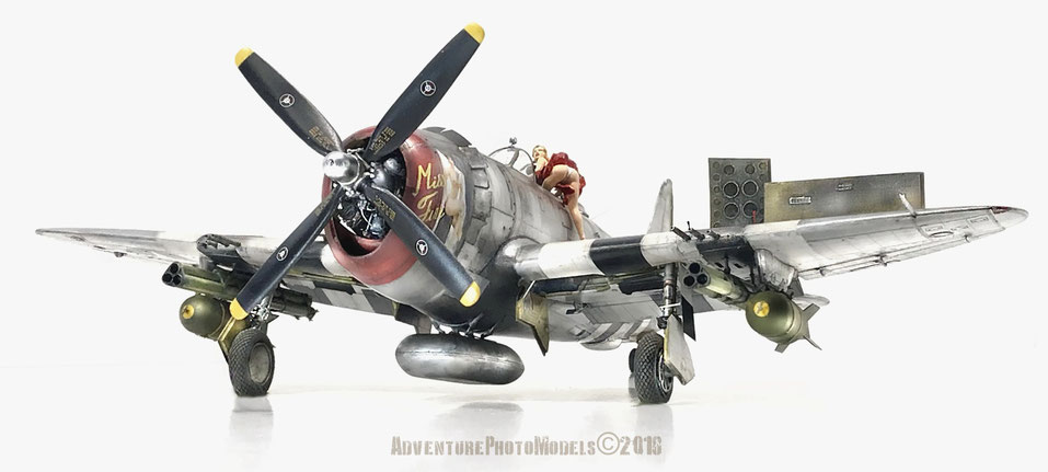 """Republic P 47-D Thunderbolt """" Miss Fire & Rozzie Geth II """"  56 th Fighter Group RAF August 1943 Halesworth England : Capt. Fred Crhistensen -Trumpeter kit 1:32 scale model  (full customized)  & """"La Monella"""" by Legend Productions kit 1:35 scale model"""